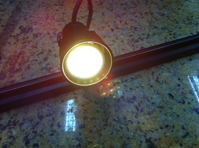 Kit Trilho Eletrificado 1 Metro com LED 3w GU10