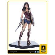 Batman v Superman: Est�tua Wonder Woman Art Scale 1/10 - Iron Studios